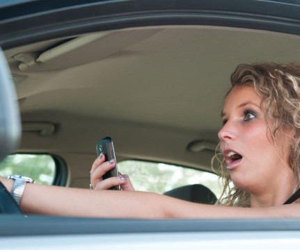 Investigation of texting while driving essay